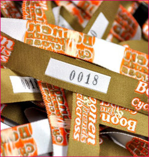geweven polsbandjes met nummering