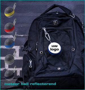 zichtbaar in het donker - voorbeeld: meteor ball