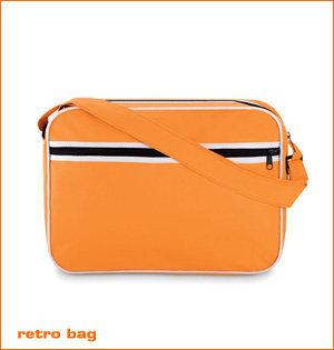 oranje merchandise - voorbeeld: oranje retro bag