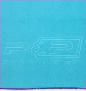 microvezel handdoek bedrukken met logo - voorbeeld: microvezel handdoek met blinddruk