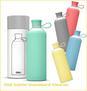 glazen waterflessen bedrukken - voorbeeld: Doli bottles